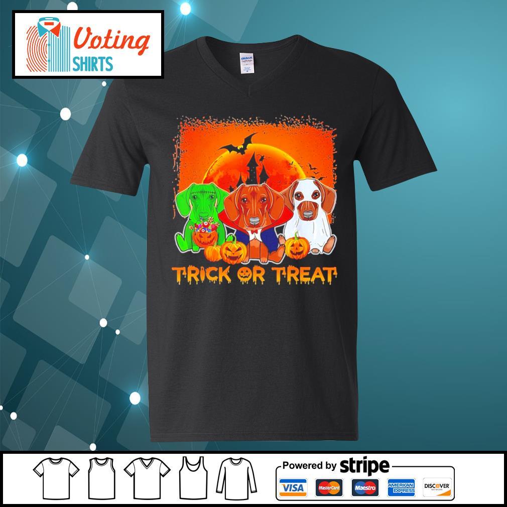 Halloween Dachshund trick or treat s v-neck-t-shirt