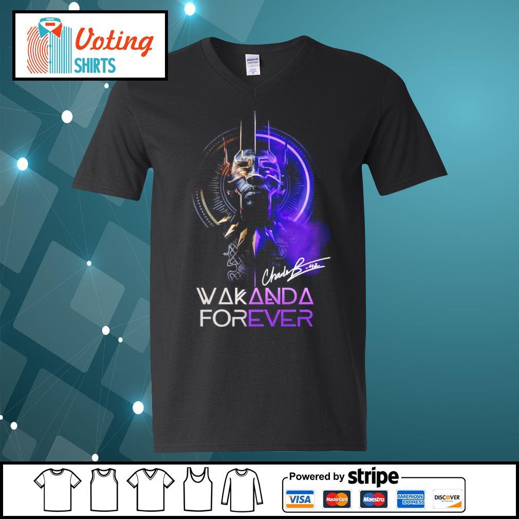 Black Panther Chadwick Boseman Wakanda forever signature s v-neck-t-shirt