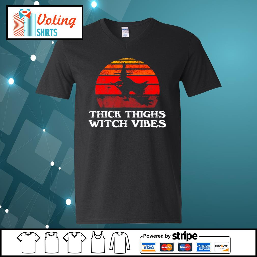 Halloween thick thighs witch vibes vintage s v-neck-t-shirt