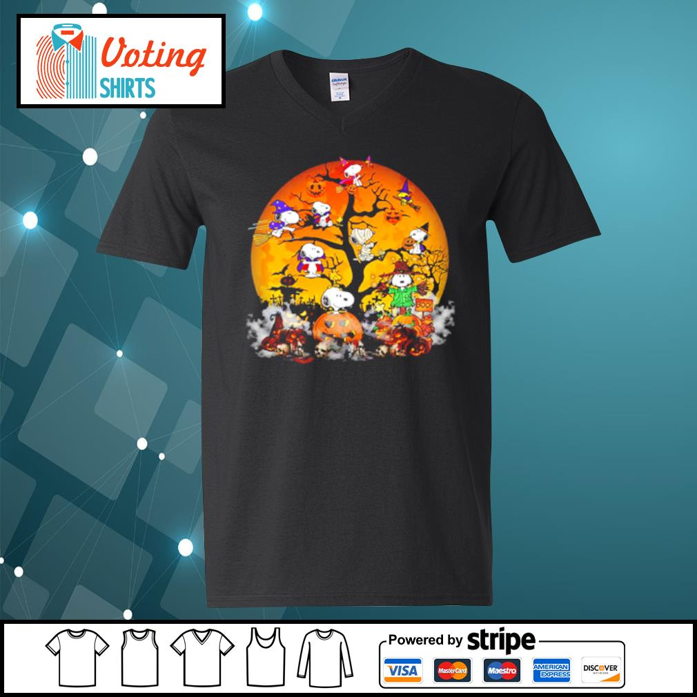 Peanuts Snoopy Halloween tree s v-neck-t-shirt