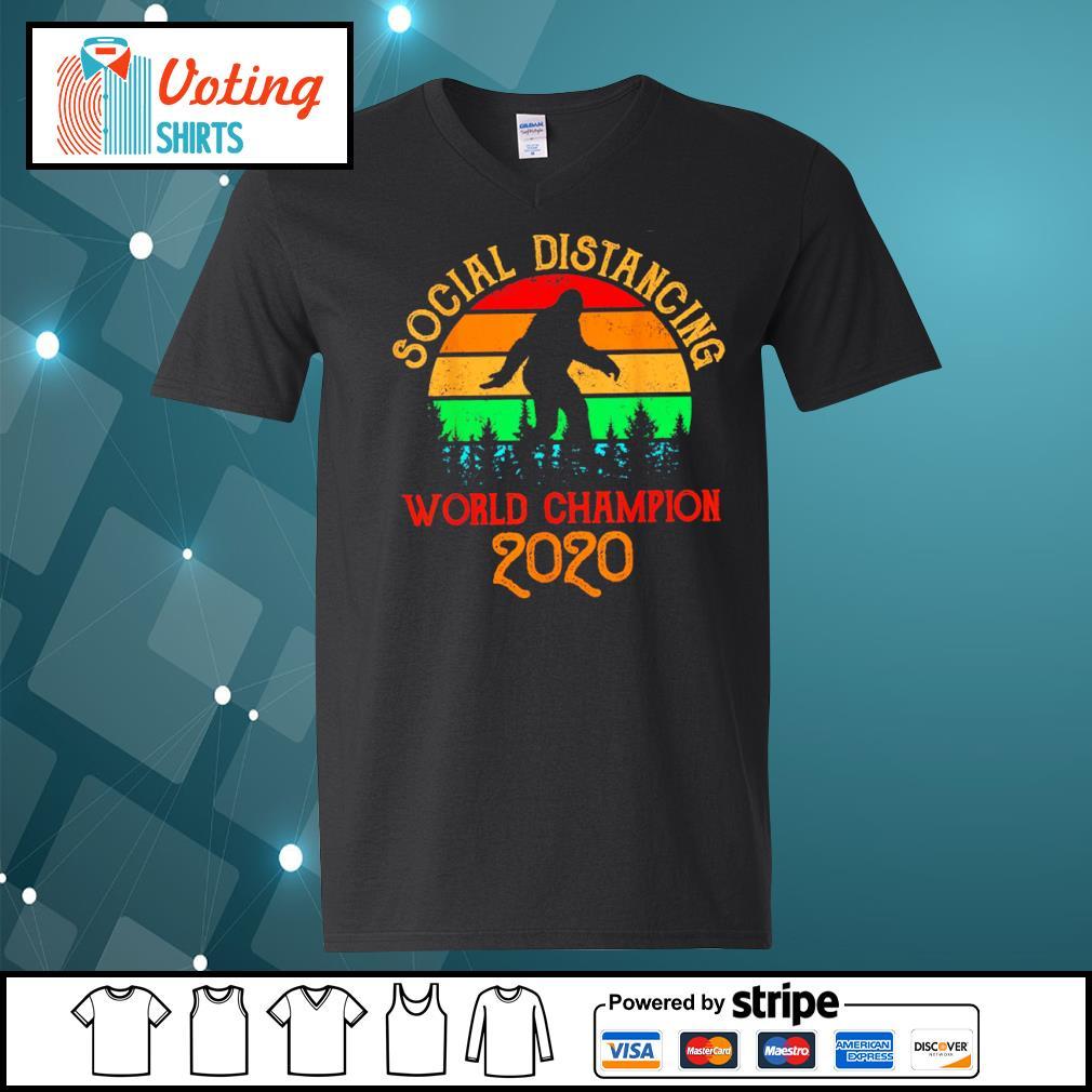 Bigfoot social distancing world champion 2020 vintage s v-neck-t-shirt